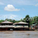 Kapal Bandong Di Sungai Kapuas