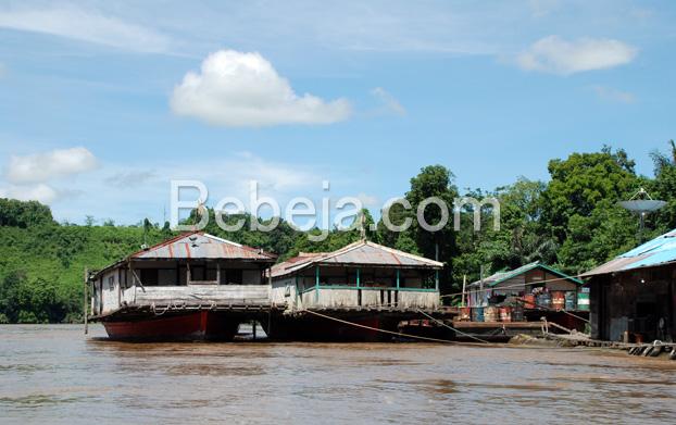 rumah-perahu-kalimantan-barat